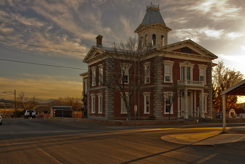 tombstone-AZ-courthouse-building-historic