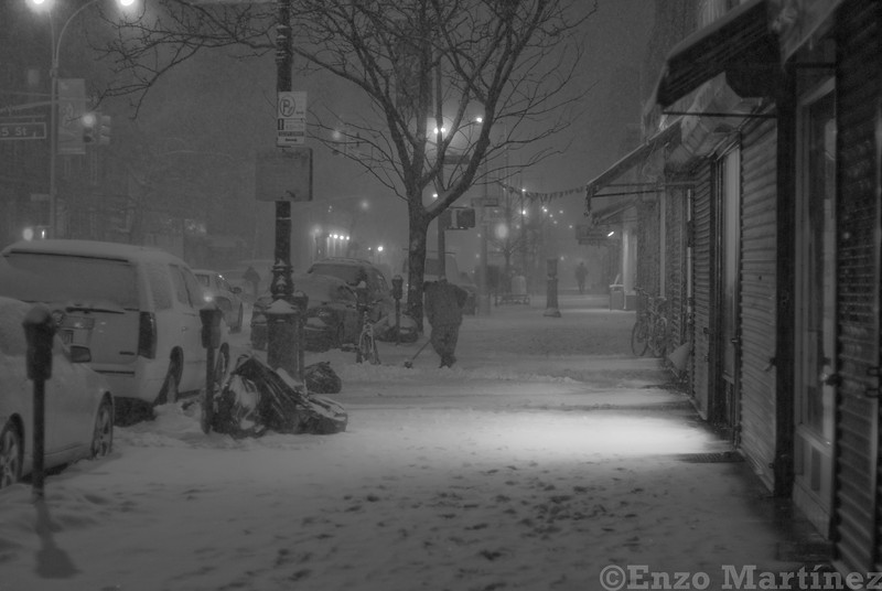 jackson-heights-winter-snow-night-black-and-white