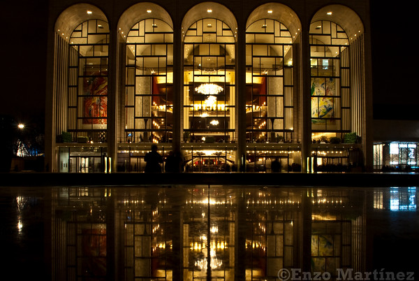 metropolitan-opera-house-night