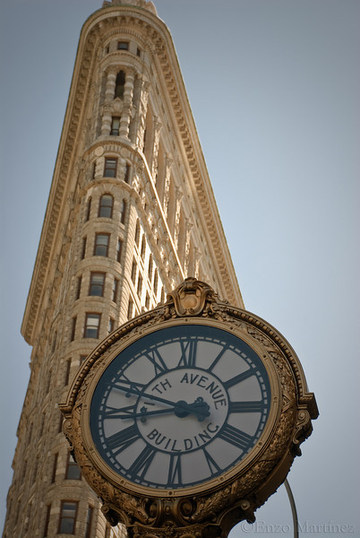 Flatiron-Building-NYC-Fifth-Avenue-Building-Clock