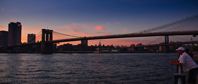 manhattan-sunset-view-from-brooklyn-bridges